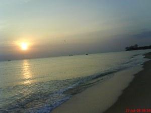 Pantai yang Indah Bukan