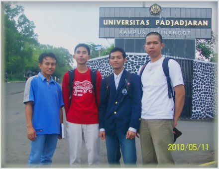 Muhammad Joe Sekigawa with STKS students