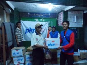 Posko Induk_Penyaluran Bantuan ke Wijaya Kusuma Grogol Jakbar 21 Jan 13
