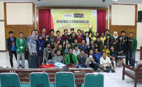 foto-bersama-kongres-ii-forkomkasi-2012