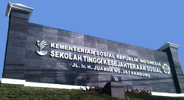 Papan Nama STKS Bandung 2013