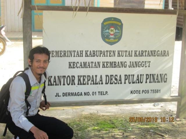 Joe di Kantor Desa Pulau Pinang