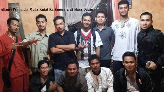 Pemuda ikhwah kawan se-Liqo' bersama dr. Miftah du Kota Tenggarong-Kukar, KALTIM