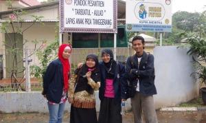 Anggota kelompok Praktikum III di Lapas Anak Pria Tangerang