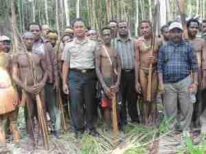 Masyarakat Komunitas Adat Terpencil (KAT) di Tanah Papua