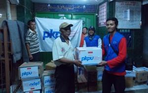 Penyerahan bantuan di Jakarta Barat