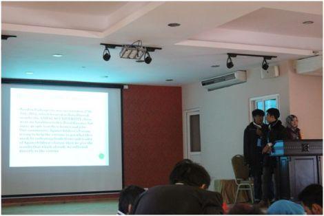 Foto 2: Kami memaparkan program Duta Anak Sumatera Barat