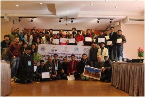 Foto 9: Foto bersama pada acara penutupan Youth Peace Ambassador 7 di Nepal