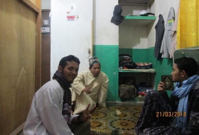 Suasana mengaji di Mes Enggang PT. Silva Rimba Lestari with Pecinta Masjid Al Muhajirin Camp Rig