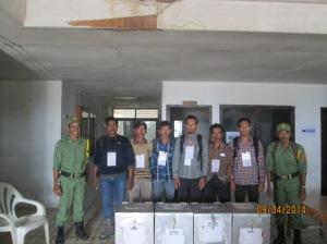 Foto bersama para saksi di TPS 05 dari berbagai Partai