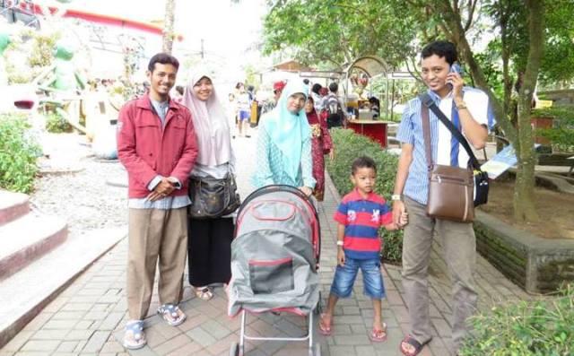 Rekreasi di Jatim Park 1 Batu-Malang bersama Kak Cup sekeluarga