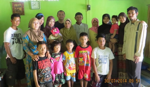 Keluarga Besar Pasangan Bapak Ahmad Nawawi dan Ibunda Murami di Desa Bogorejo Kecamatan Bancar Kabupaten Tuban - Jawa Timur