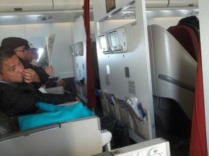 01 Di dalam Garuda GA 874 Menuju Haneda Tokyo