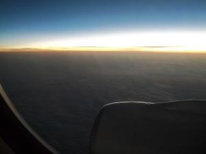 02 Melihat Ufuk Timur Dunia dari atas awan