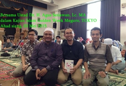 Trio Setiawan di Acara Golden Week, dari Kanan ke Kiri: Joko Setiawan, Mas Bondan Setiawan dan Ustad Agus Setiawan + Mas dr. Hario Baskoro Ahad, 03 Mei 2015
