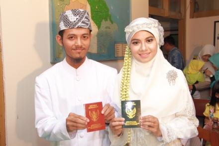 Akad Nikah Joko Setiawan & Iis Syarifah Latif di KUA Sekeloa Bandung pada 01 Sya'ban 1436 Hijriah