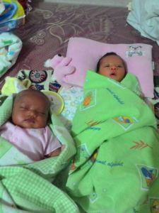 Ayumi chan bersama saudara sepupunya, Maryam